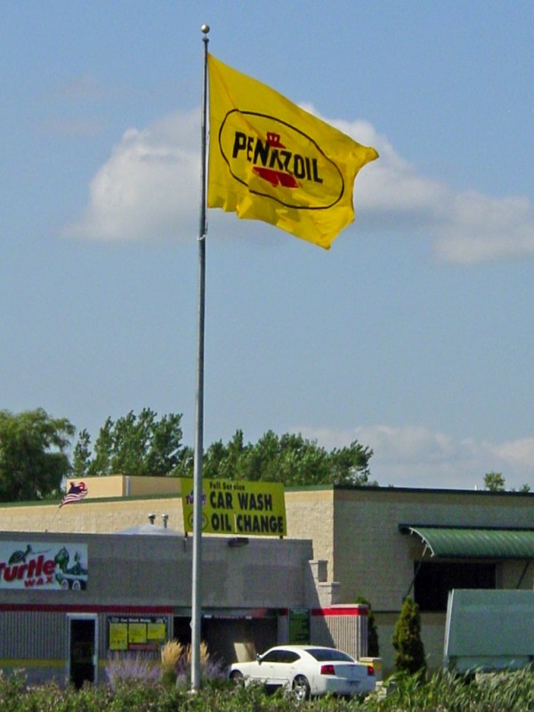 Pennzoil 12x18 Big Flag.jpg